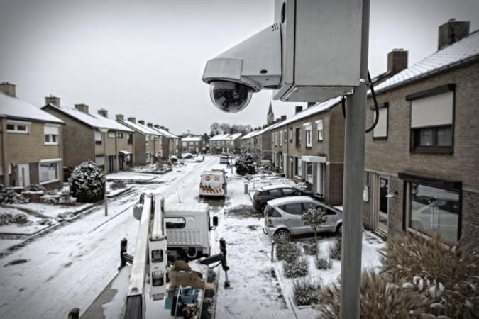 Politiecamera's snorren permanent in de 'granaatstraat' van Holtum