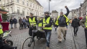 'Gele-hesjeswandeling' Maastricht: als er minder dan 500 mensen komen, dan kappen we er mee