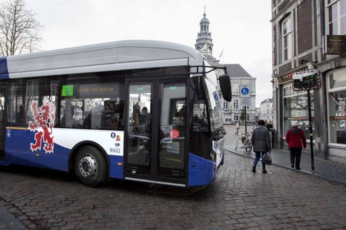 Onderzoek: aantal busreizigers in Limburg gedaald, provincie zegt dat cijfers niet kloppen