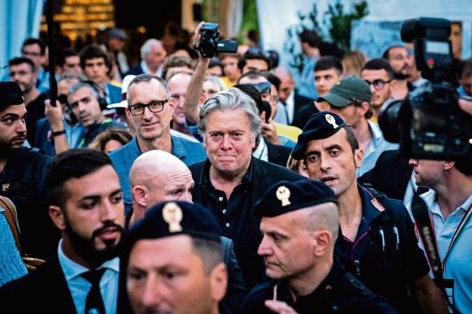 Populisten trainen in klooster met hulp van Steven Bannon