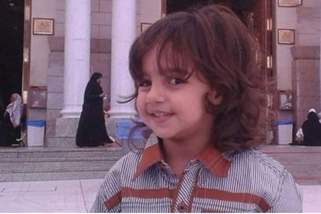 6-jarige jongen keel doorgesneden voor ogen van moeder in Saoedi-Arabië