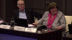 Video: Emotionele burgemeester kapt vergadering Roermond af