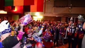 Video: Groots nachtelijk onthaal voor LVK-winnaars in thuisbasis Haelen