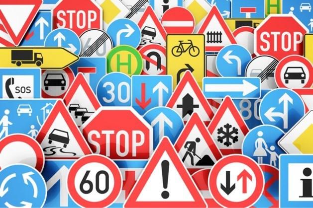 Maastricht brengt wildgroei verkeersborden in kaart