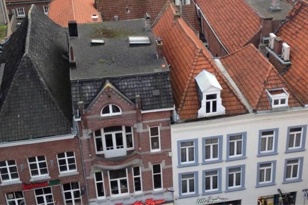 Bouwkraan wordt maandag over middeleeuwse panden in Venlo getild