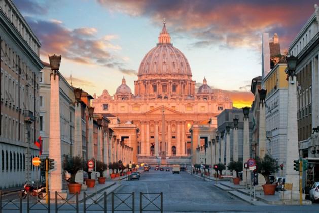 Paus belooft einde aan verdoezelen van kindermisbruik