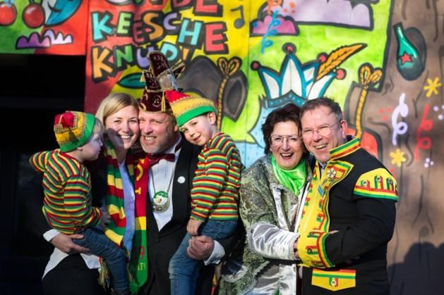 Carnavalsliefdes: Vastelaovend stroomt door 'ut blood' van drie generaties Pierik