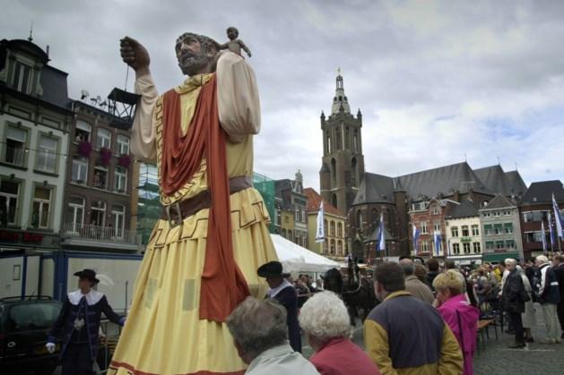 Afzeggingen voor optocht Roermond om onstuimig weer