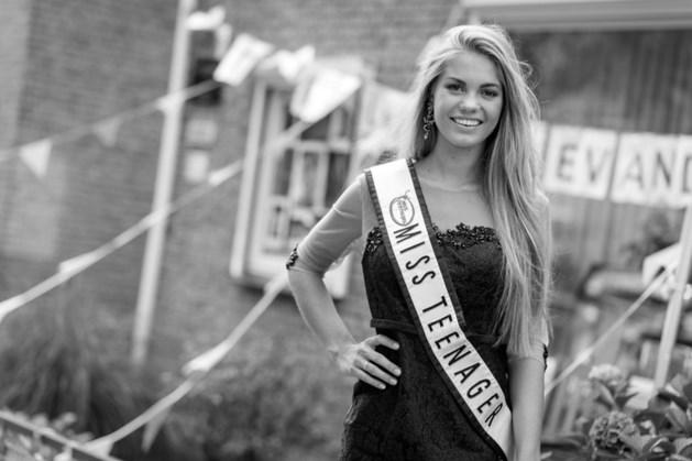 Model Lotte van der Zee (20) overleden