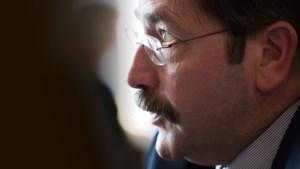 Raad Heerlen voert druk op gouverneur Bovens op