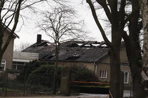 Asbest vrijgekomen bij brand loods in Veulen