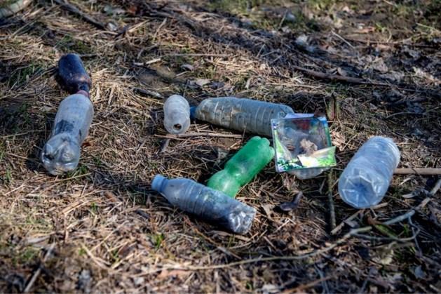 Oevers Maas en Waal liggen vol met plastic: 'Een enorme hoeveelheid'