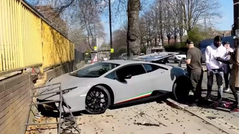 Video: Opschepperij met Lamborghini eindigt in crash