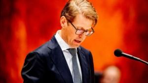 Minister Dekker kan aanblijven na excuses