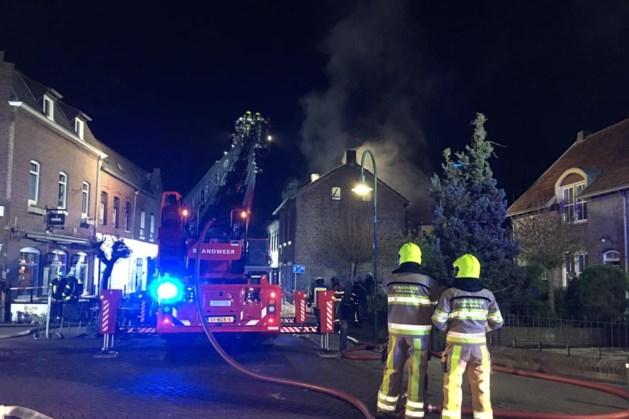 Grote uitslaande woningbrand in Landgraaf
