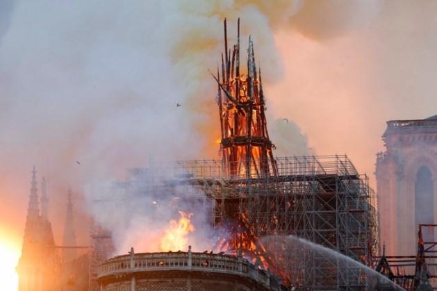 Yvonne is dagelijks bij Notre-Dame en was net voor de brand weg: 'Verschrikkelijk om te zien'