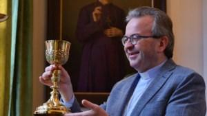 De bisschop heeft na anderhalve eeuw zijn kelk terug