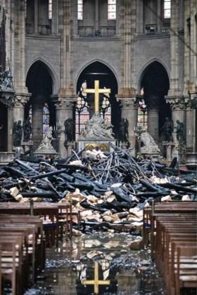 Franse minister: Geld om Notre-Dame te herbouwen is geen probleem