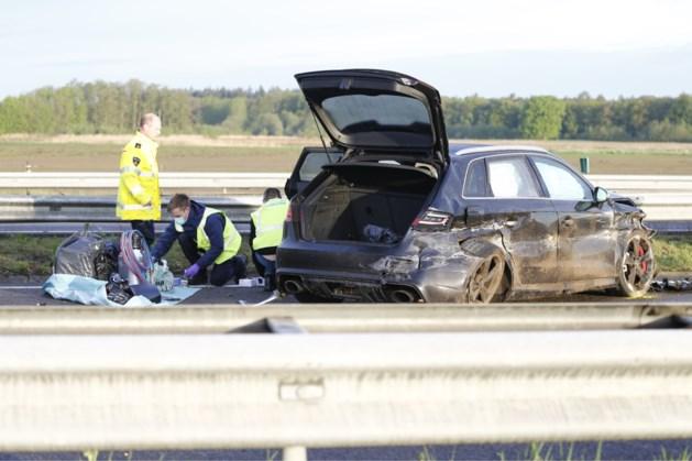 Benzine in jerrycans van auto die betrokken is bij ongeluk op A73