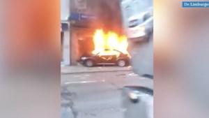 Video: Luik opgeschrikt door brandende Volkswagen zonder bestuurder