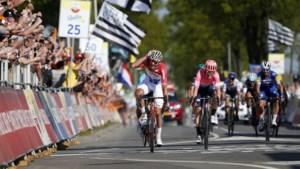 Een weggetikt steentje tilt Van der Poel boven alle renners uit