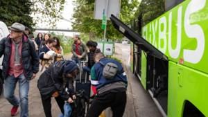 En dan...stopt Flixbus ineens in het centrum: 'Voor de uitstappers zijn wij het eerste terras van Maastricht'