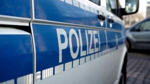 Kluisjes Duitse agenten doorzocht na vondst sticker extreemrechtse beweging