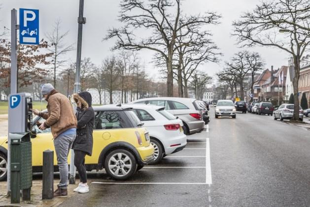 'Meer schade aan auto's door haaks parkeren'