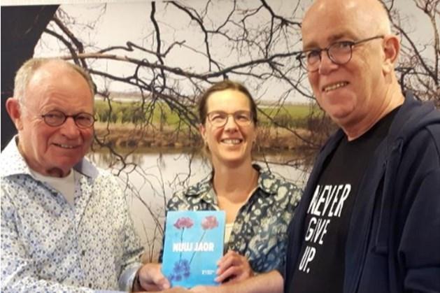 Nieuwe bundel van dialectschrijver Ron Verhees: 'Nuuj jaor'