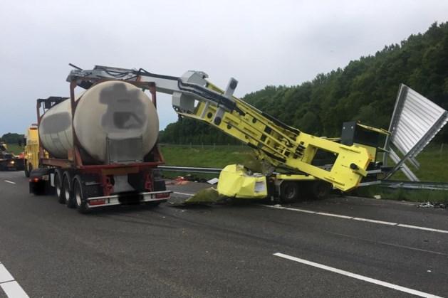 A76 bij Heerlen dicht na ongeluk met vrachtwagen