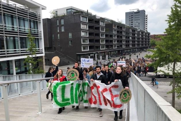Klimaatmars Maastricht: 'Drone wilde kindertekening filmen'