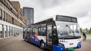 Streekbus Arriva omzeilt op zaterdag te druk Nolensplein in Venlo