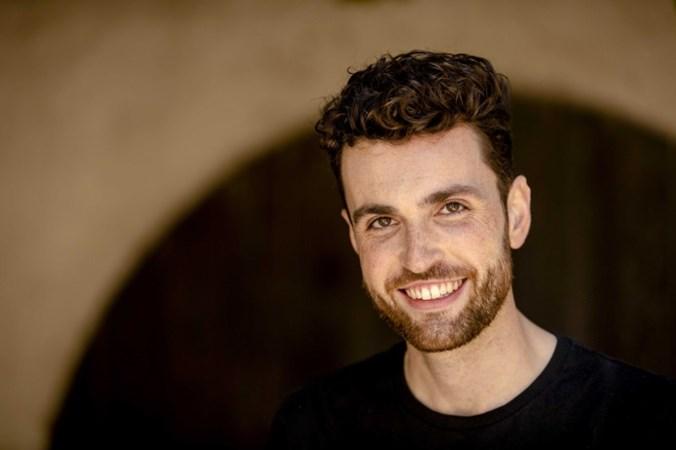 Songfestival-favoriet Duncan gepest op school: 'Achter de piano voelde ik me veilig'