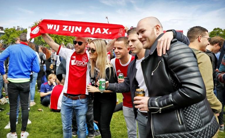 Video: Museumplein is vol voor Ajax-huldiging