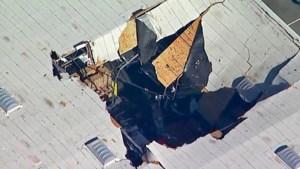 F-16 stort neer op gebouw in Californië