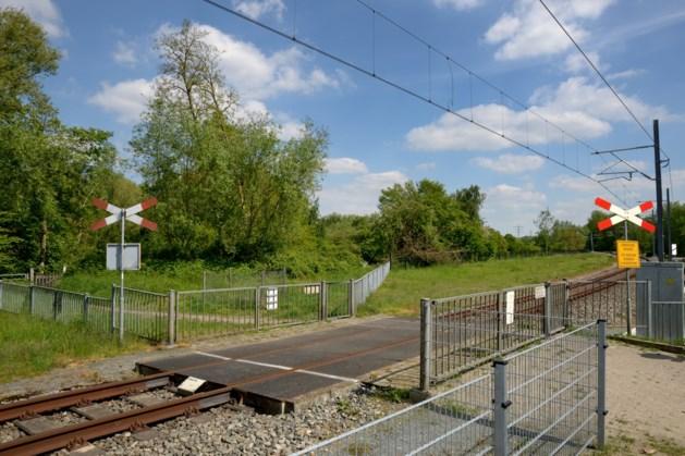 Twee onbewaakte spoorwegovergangen in Kerkrade gaan weg