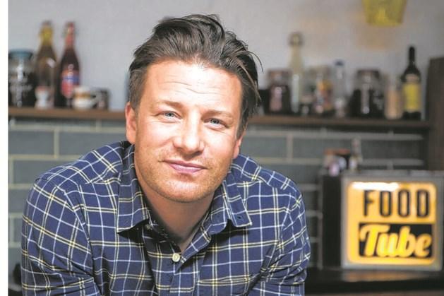 Zakenimperium van tv-kok Jamie Oliver in financiële problemen