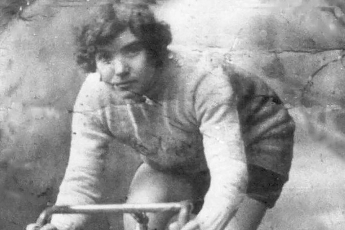 'Duivel in een rok' Alfonsina Strada fietste als eerste vrouw in de Giro