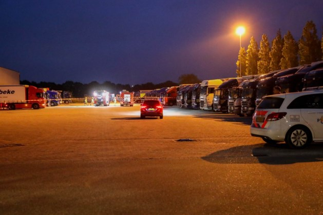 Brandbare hars lekt in riool bij transportbedrijf