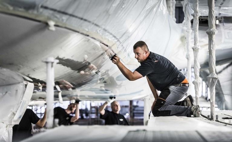Vliegtuigspuiter Beek in handen van investeerder Egeria