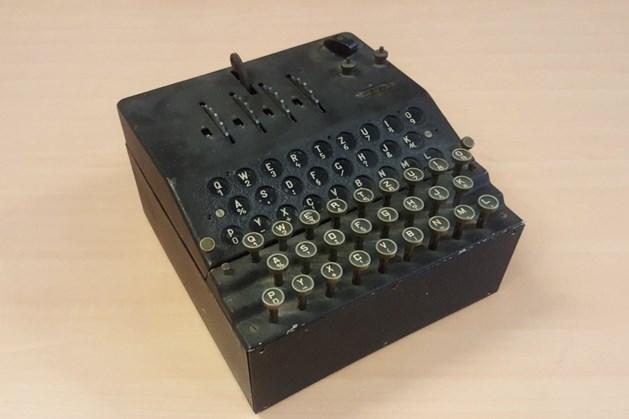 Nieuwe aanwinst voor Oorlogsmuseum Overloon: zeer zeldzame codeermachine