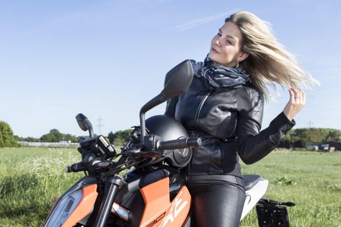 Stoere dames op twee wielen: 'Ik ben niet bang om de 200 aan te tikken'