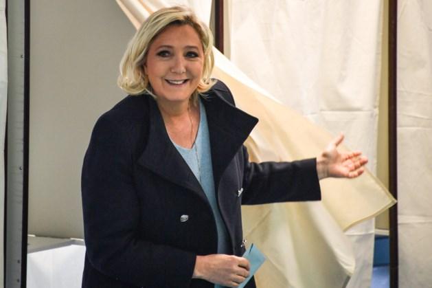 Exitpolls: Marine Le Pen verslaat president Macron in Frankrijk