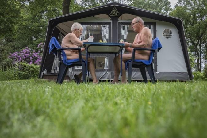 Gemiddelde leeftijd naturistenvereniging 65: 'Jongeren gaan niet meer zo gemakkelijk uit de kleren'