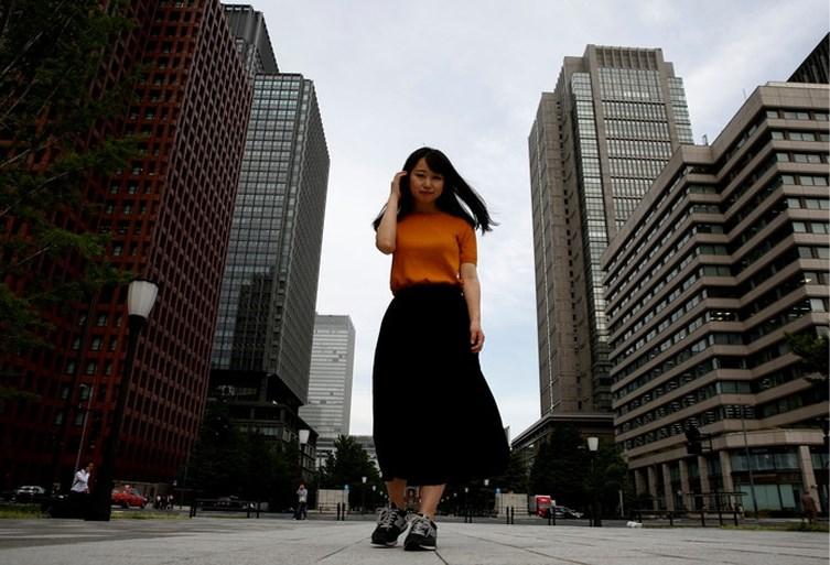 Japanse vrouwen komen in opstand tegen verplichte hoge hak op werk