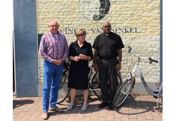 Bezoek uit India aan Winkel van Sinkel