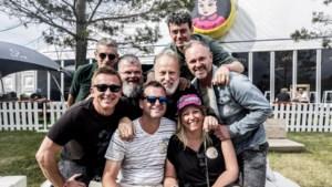Video: Pinkpopquiz-winnaar Ron Reuleaux ontmoet Rowwen Hèze