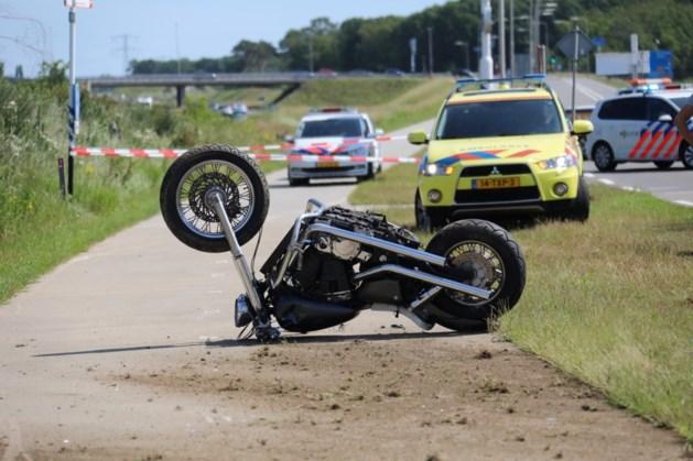 Motorrijder gewond bij ongeval in Sint Joost; traumahelikopter opgeroepen