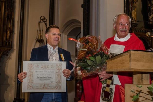 Pauselijke onderscheiding voor John Crijns