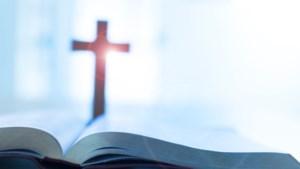 Poolse priester neergestoken in kerk